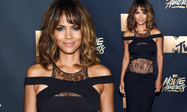 How To Recreate Halle Berry's Stunning Smoked-out Stare At The MTV Movie Awards