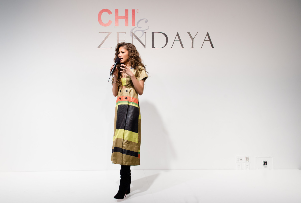 CHI X Zendaya