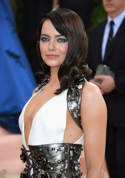 How To Recreate Emma Stone's Fiercely Lined Eye
