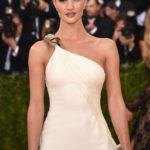 The Trick To Rosie Huntington-Whiteley's MET Gala Smoky Eye
