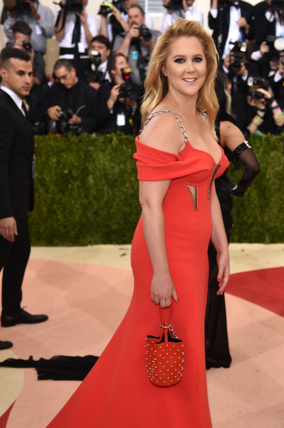 Cultivate Amy Schumer's Met Gala Cat-Eye