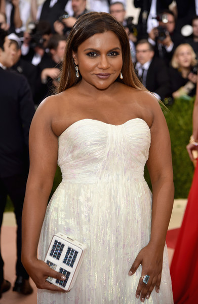 Recreate Mindy Kaling S Stunning Met Gala Makeup Rouge 18