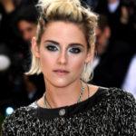 "The Secret To Kristen Stewart's ""Anti-Precious"" Met Gala Makeup"