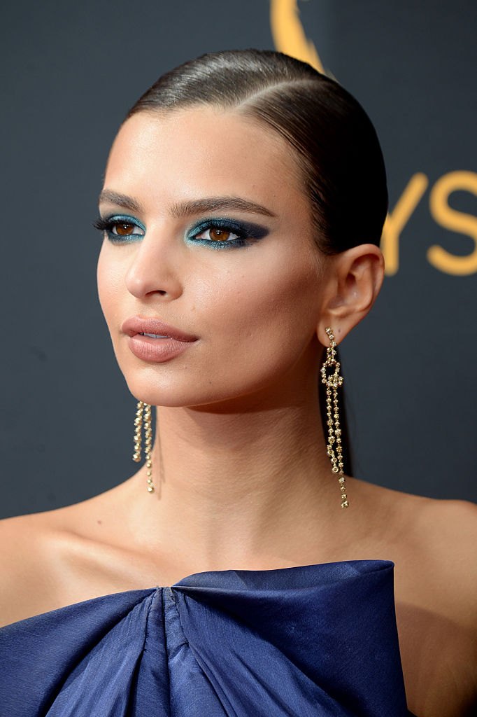 The Secret To Emily Ratajkowski's Verdant Gaze