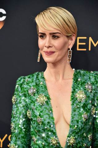 Recreate Sarah Paulson's Metallic Smoky Eye