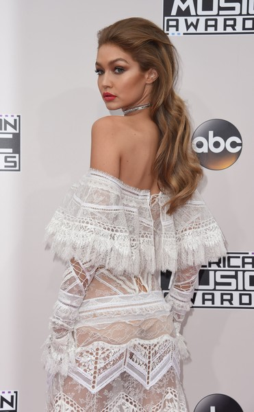 Recreate Gigi Hadid's '70s Hairstyle Last Night
