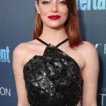 The Trick To Emma Stone's Super Shiny Lob Look