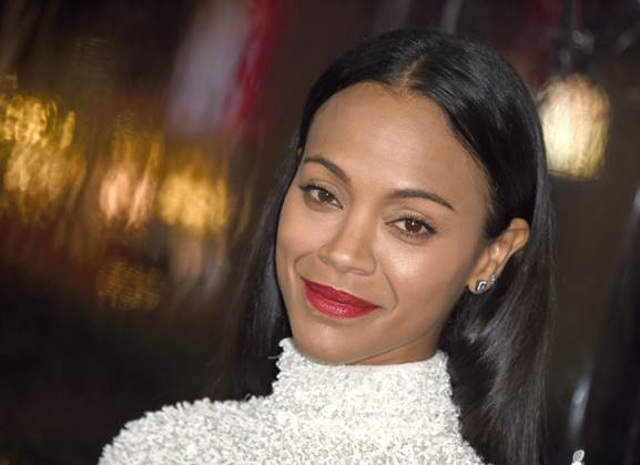 You're Going To Want To Recreate Zoe Saldana's Red Lip, Stat