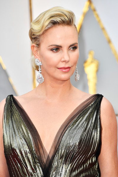 charlize-theron-photo-oscars-2017
