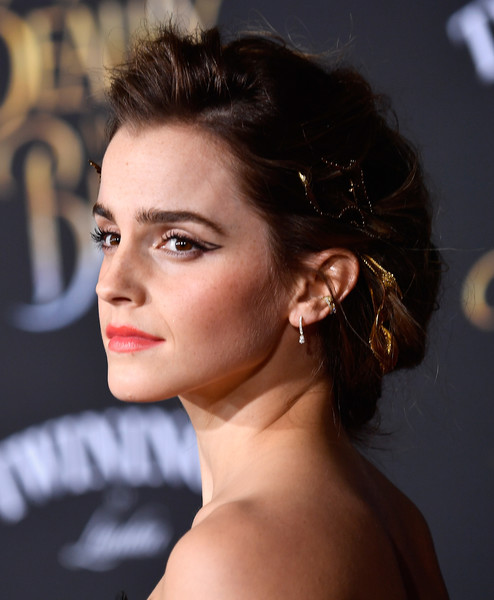 The Secret To Emma Watson's Soft, Textured 'Do