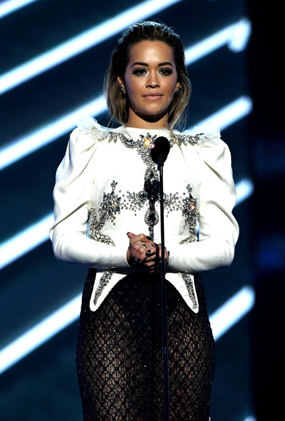 The Trick To Rita Ora's Billboard Music Awards's Smoky Stare