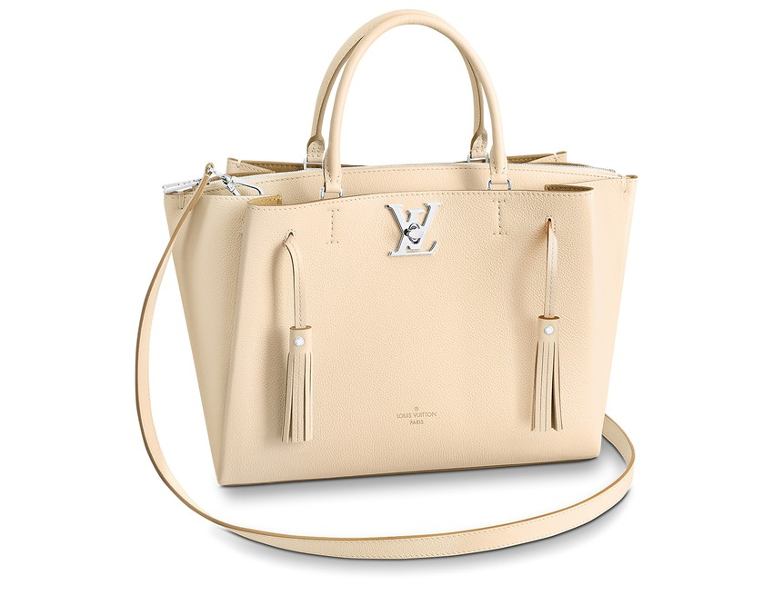 Why Buying a Louis Vuitton Bag Should Be a Priority