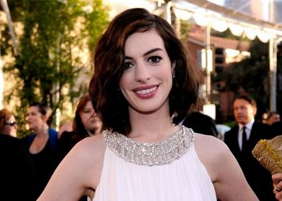 Get the Look: Anne Hathaway at the SAG Awards
