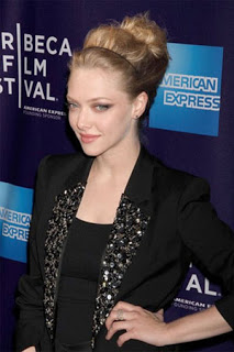 Get The Look: Amanda Seyfried's Hairstyle at the Premiere of Letters to Juliet