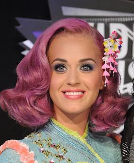 Beauty Breakdown: Katy Perry's Hairstyle And Makeup At The 2011 MTV VMAs