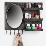 Home Decor Blogging Junkie: Urban Outfitters Over-the-door Vanity
