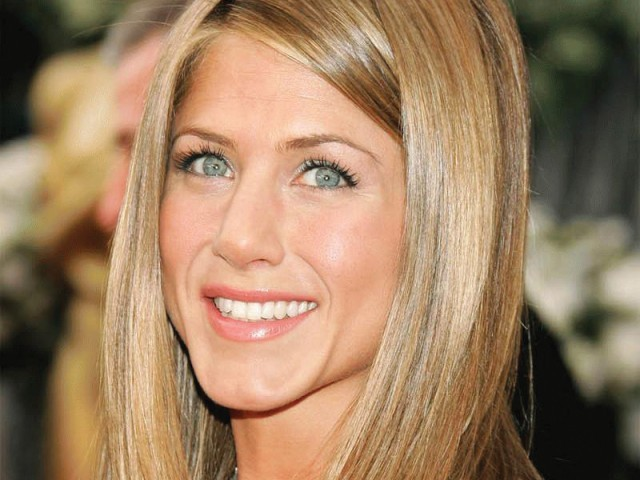 What's Jennifer Aniston's Least Favorite Cosmetic?
