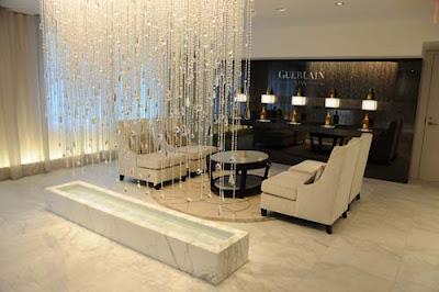 Puttin' On The Waldorf: Guerlain Abeille Royale Facial Review