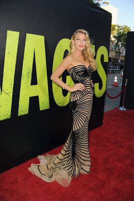 Blake Lively Wears Zuhair Murad At The Premiere Of 'Savages'