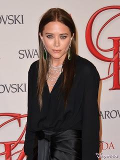 Mary Kate Olsen's A Brunette!