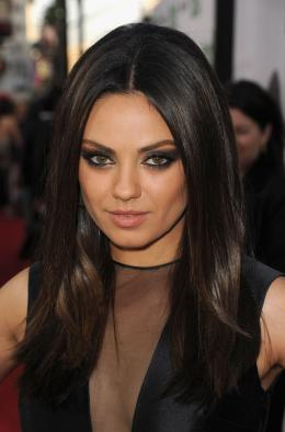 mila kunis hair style get the look mila kunis hairstyle at the ted premiere 4264 | th 6c3654197653192