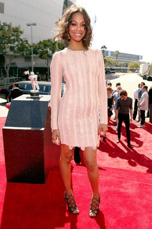 Get The Look: Zoe Saldana's Hairstyle At The 2012 MTV VMAs