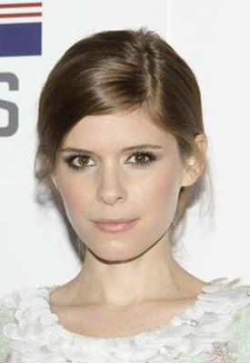 Kate Mara Hairstyle & Makeup For 'The House Of Cards' Premiere