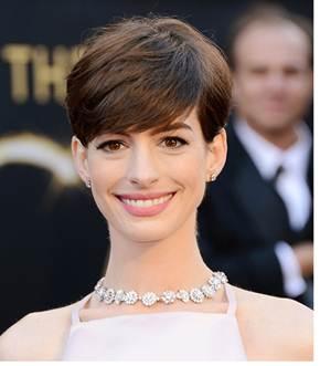Oscars Makeup: Anne Hathaway