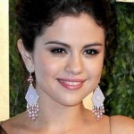 Selena Gomez' Makeup At The Vanity Fair Oscars Party