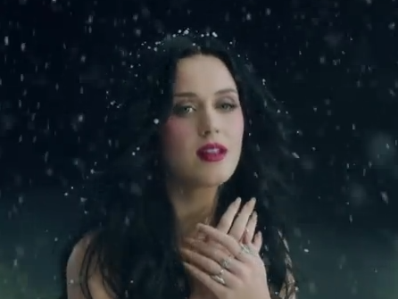 Get The Look: Katy Perry's Makeup In The 'Unconditionally' Video
