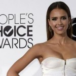 Get The Look: Jessica Alba's Hairstyle At The 2014 People's Choice Awards