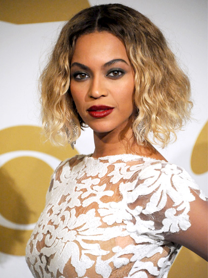 Score Beyonce's Grammys-gorgeous Curly Bob Hairstyle With These Simple Steps