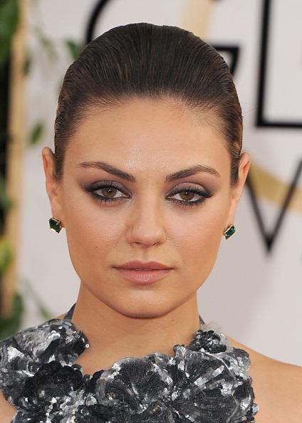 Get The Look Mila Kunis Golden Globes Makeup Rouge 18
