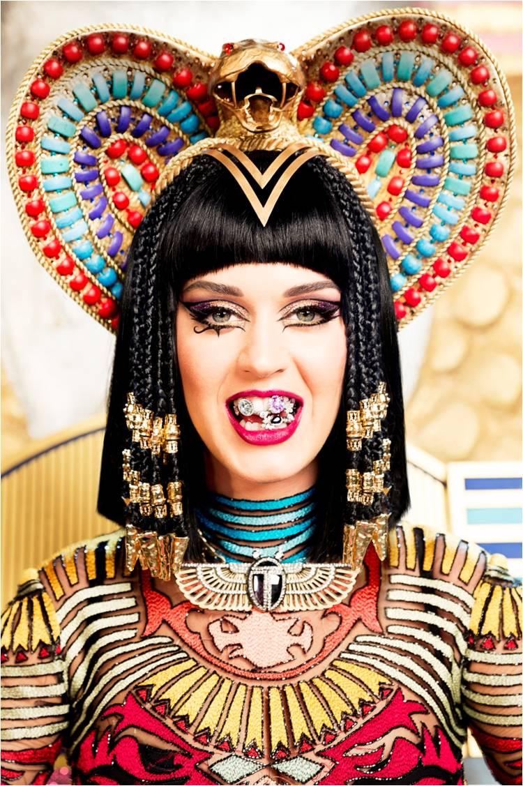 Get The Look: Katy Perry's Makeup Look In The 'Dark Horse' Video