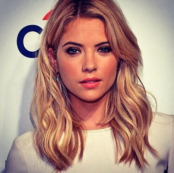 """Get The Look: 'Pretty Little Liars"""" Ashley Benson At Paleyfest"""