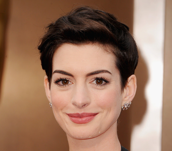 Oscars 2014 Makeup: Anne Hathaway