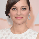 How To: Marion Cotillard's Old Hollywood Cat-eye Oscars Look