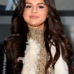 The Secret To Selena Gomez's Smooth, Poreless Skin Is This Drugstore Gem