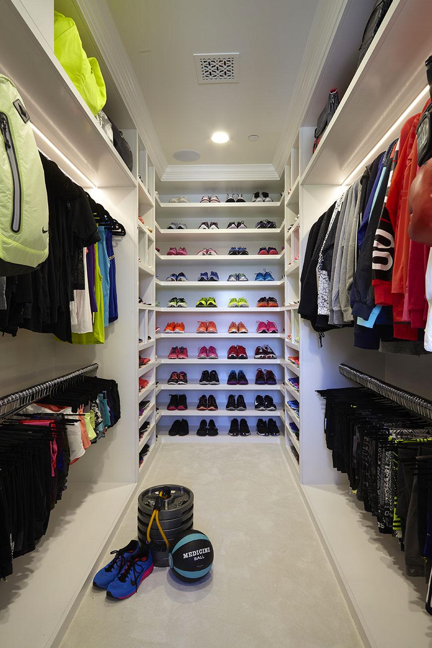 Khloé Kardashian's Sick Fitness Closet