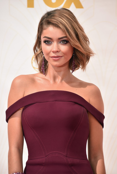 The Secret To Sarah Hyland S Emmys 2015 Beauty Moment