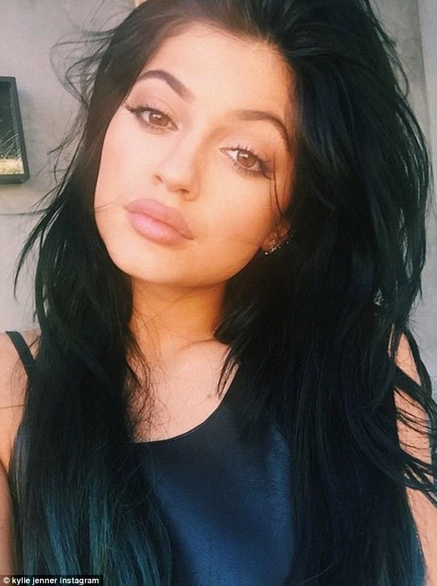 Kardashian Korrespondent: Kylie's New Short Black Bob + More