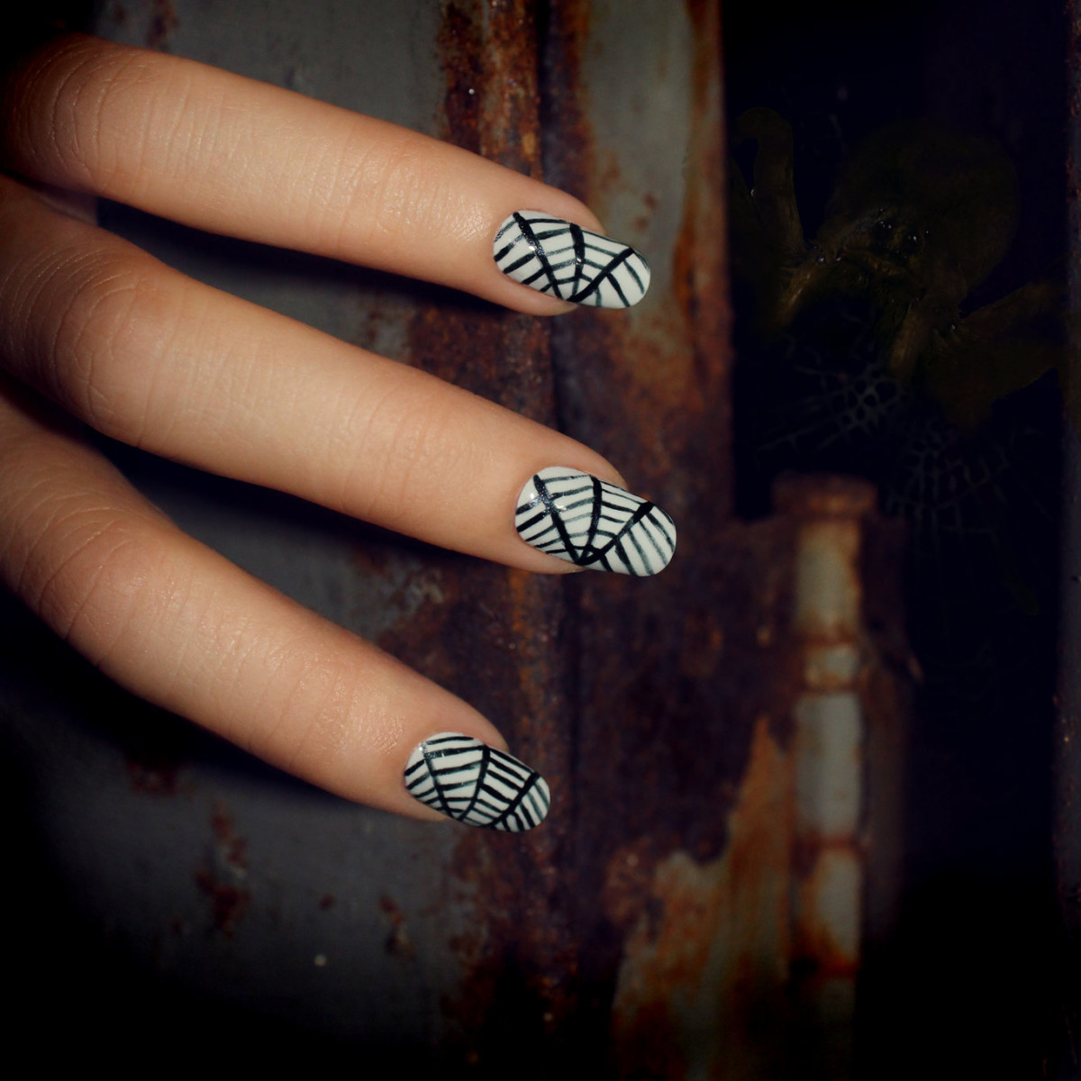 The Halloween Nail Art How-To You Need NOW