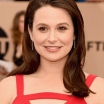 Katie Lowes' Bronzey SAG Awards Makeup