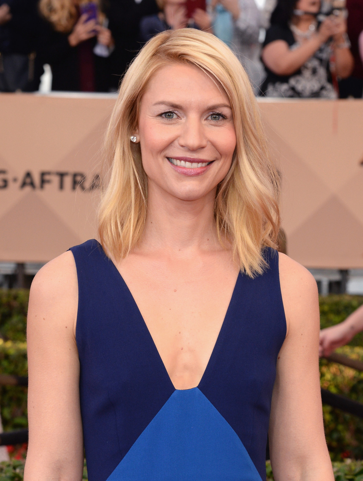 The Secret To Claire Danes' SAG Awards Makeup Look