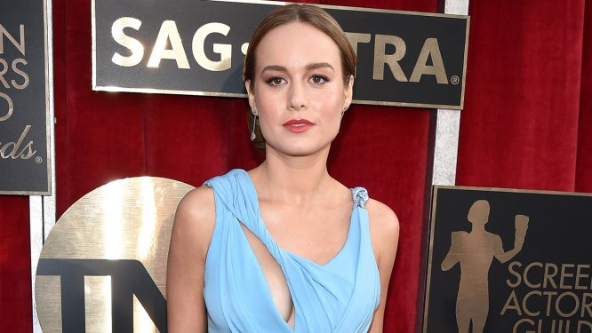 Recreate Brie Larson's SAG Awards Vivid Lip