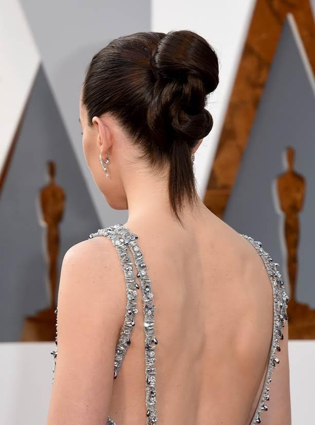 Score The Secret To Daisy Ridley's Twisted Updo