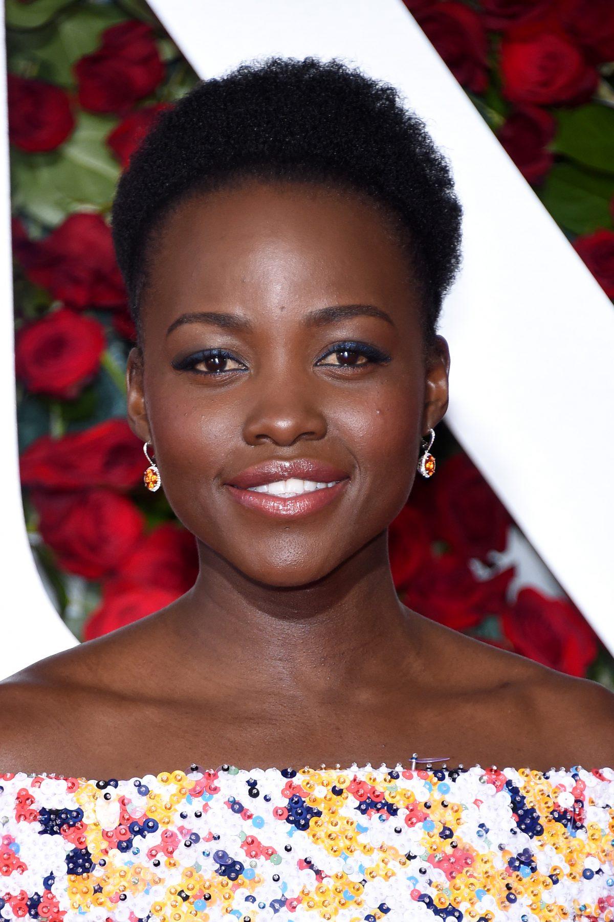 The Trick To Lupita Nyong'o's Luminous Tony Awards Glow