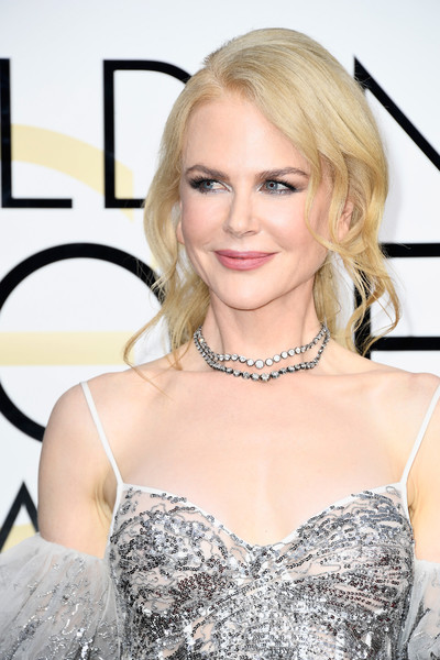 How To Recreate Nicole Kidman's Soft Updo