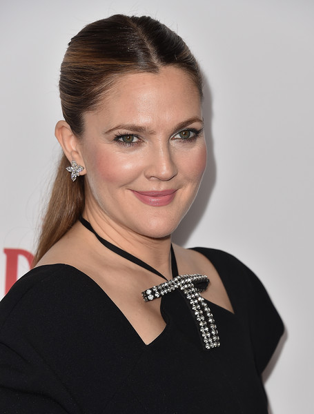 The Trick To Drew Barrymore's Soft, Subtle Makeup Look