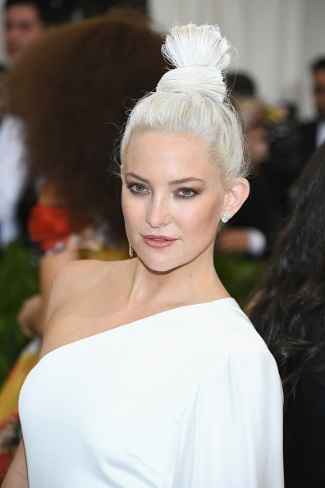 Recreate Kate Hudson's White-Hot Met-Ball 'Do